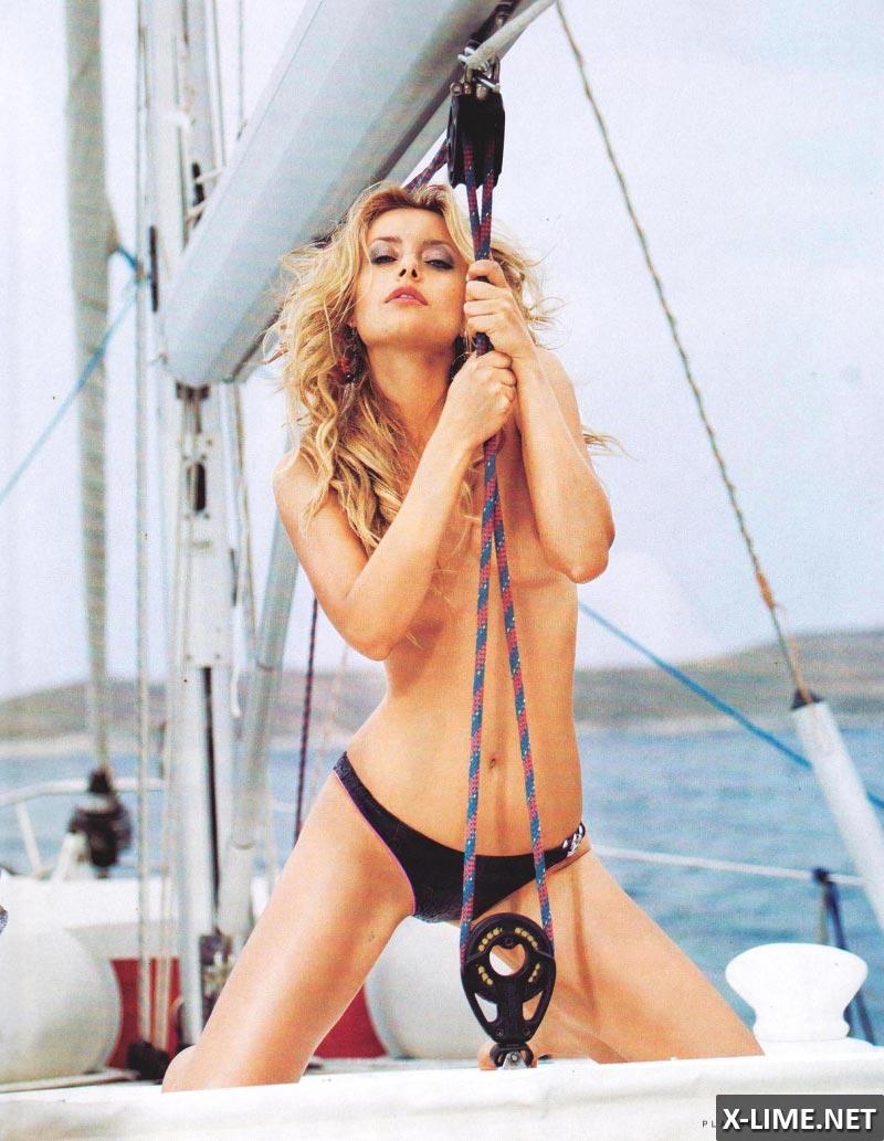 Обнаженная Лена Максимова в эротической фотосессии PLAYBOY