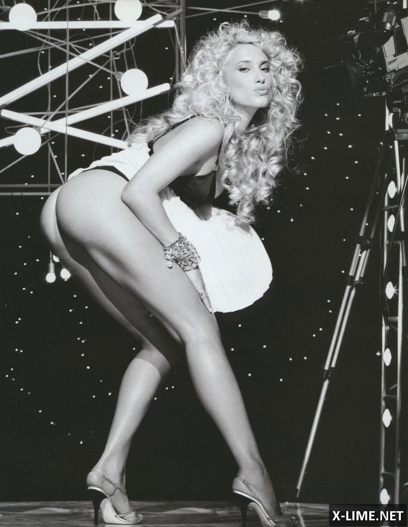 Голая Марика в откровенной фотосессии PLAYBOY