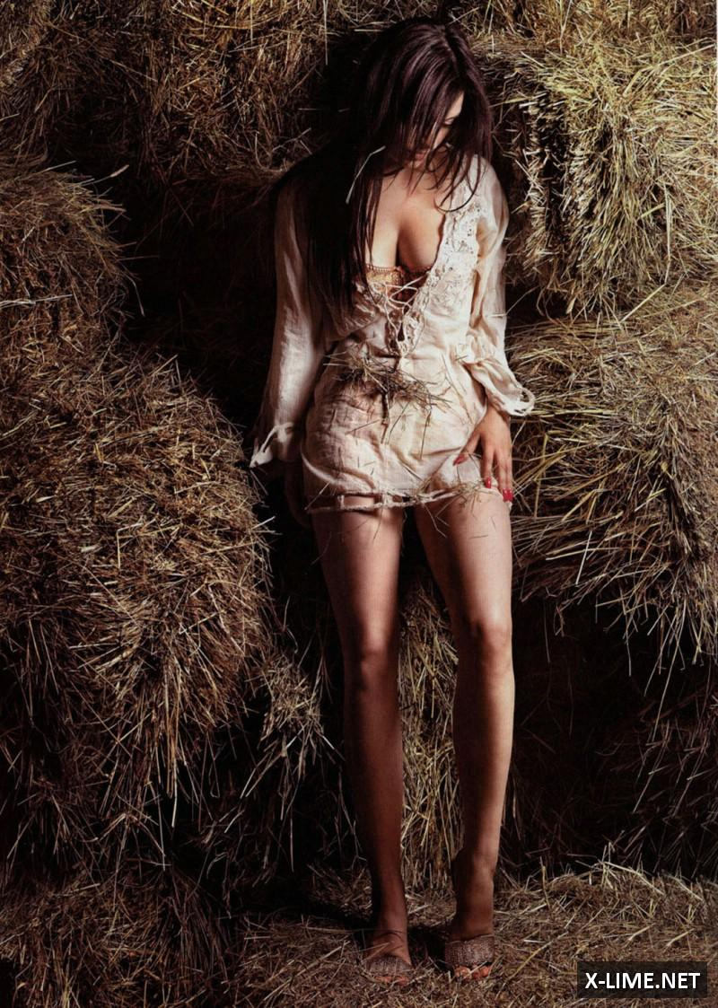 Голая Леля Турубара в откровенной фотосессии журнала XXL
