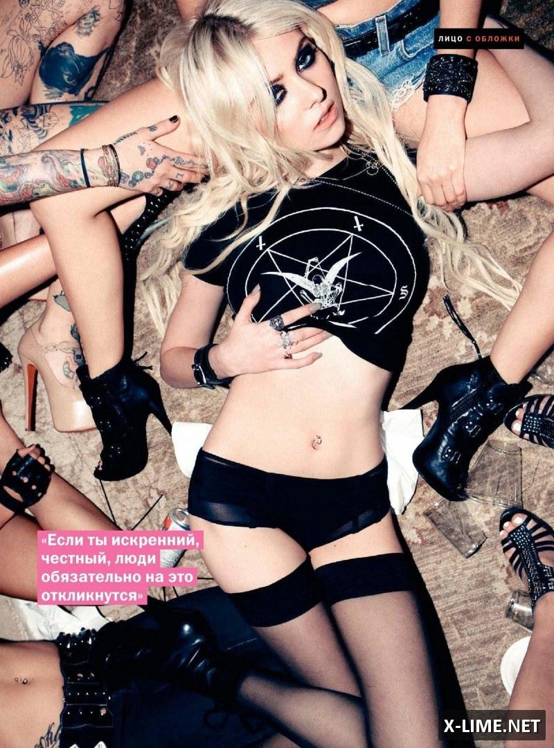 Голая Тейлор Момсен в откровенной фотосессии журнала FHM