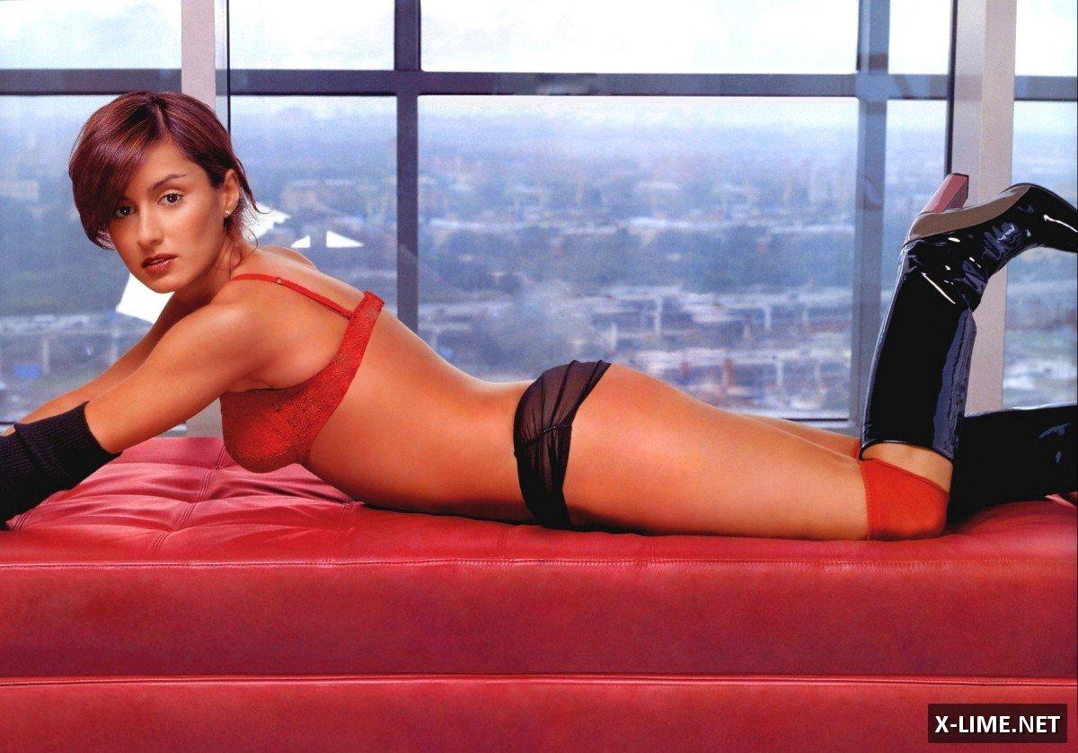 Голая Тина Канделаки в эротической фотосессии FHM