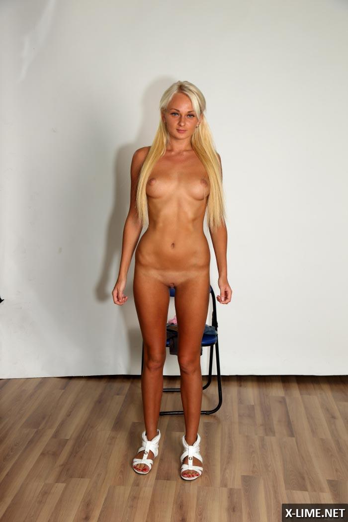Порно фото кастинг милой блондинки
