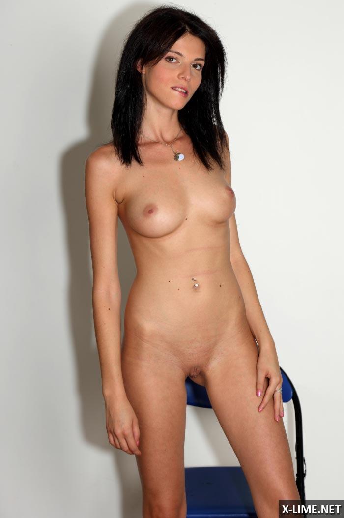 Порно фото кастинг симпатичной девушки