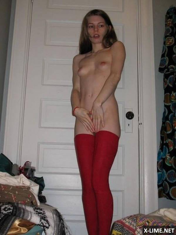 Домашняя мастурбация худенькой девушки (16 ФОТО)